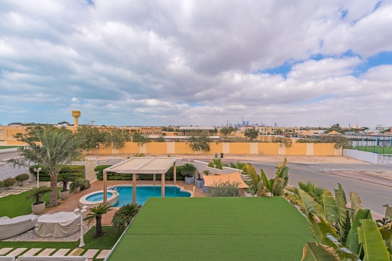9 Bedroom Villa For Sale in  Umm Suqeim 2,  Umm Suqeim   13