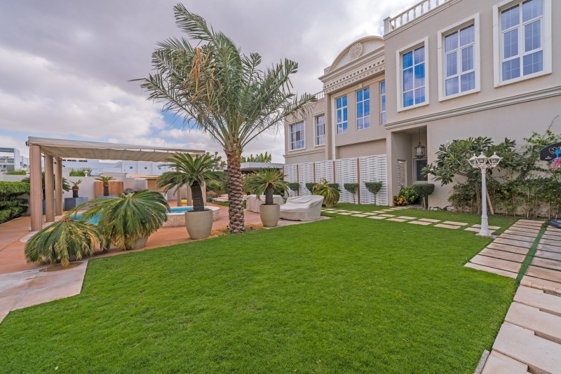 9 Bedroom Villa For Sale in  Umm Suqeim 2,  Umm Suqeim   14