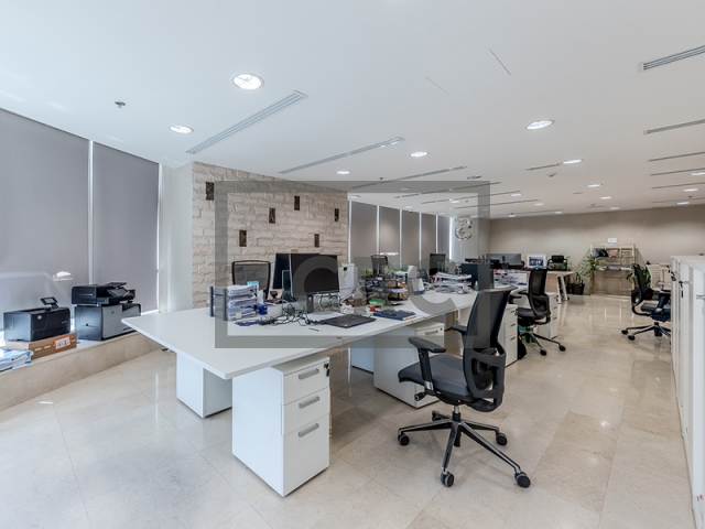 1,850 sq.ft. Office in Jumeirah Lake Towers, Fortune Tower for AED 1,350,000
