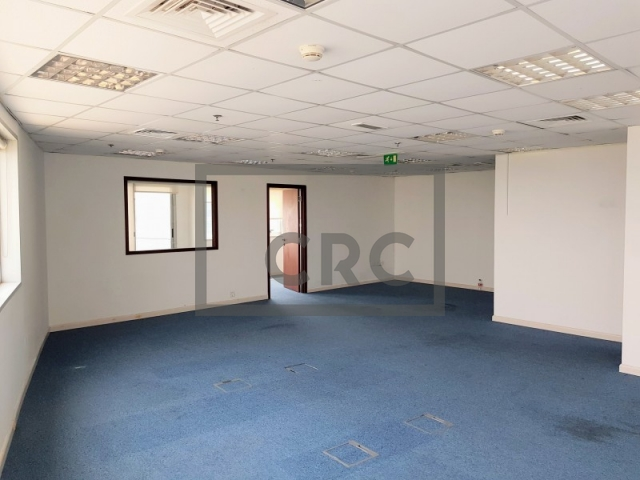 900 sq.ft. Office in Barsha Heights (Tecom), Al Warsan Building for AED 90,000