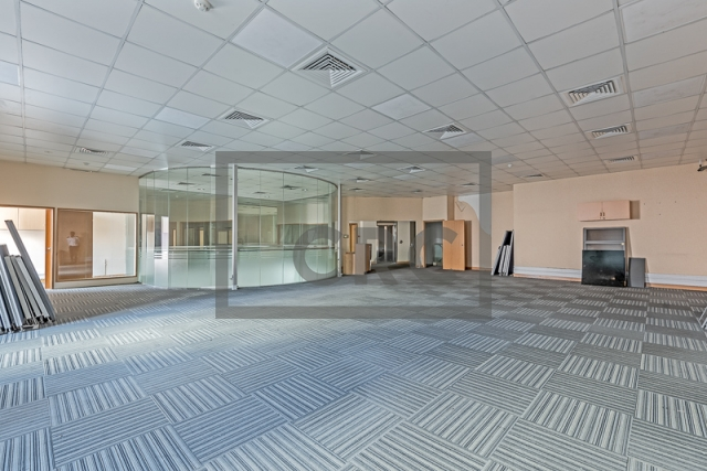 office for rent in deira, amea commercial building   4