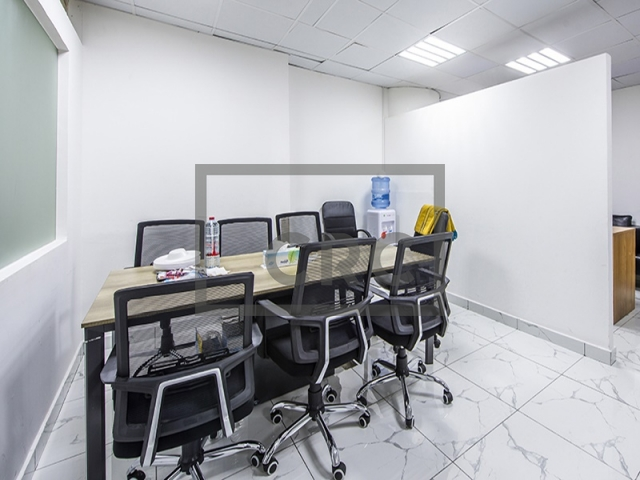semi-furnished office for sale in business bay, clover bay tower   5
