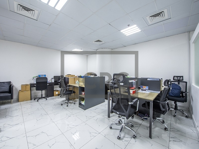 semi-furnished office for sale in business bay, clover bay tower   2