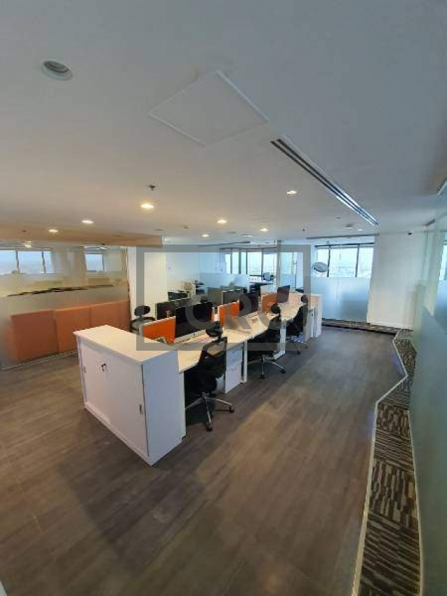 furnished office for sale in jumeirah lake towers, jumeirah business centre 4   13