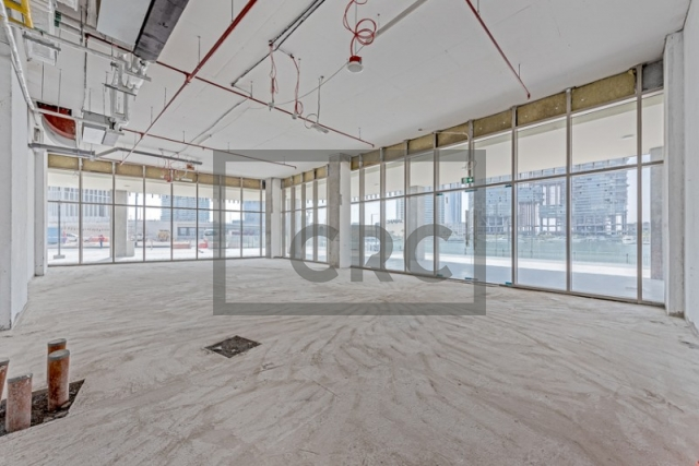 shops & retail spaces for rent in business bay