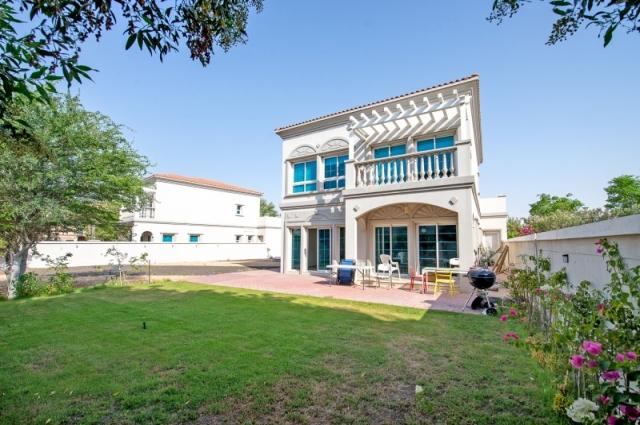 District 2, Jumeirah Village Triangle