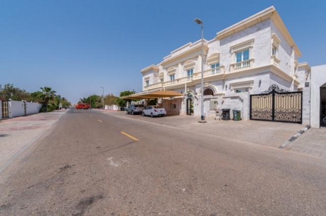 Jumeirah 2, Jumeirah