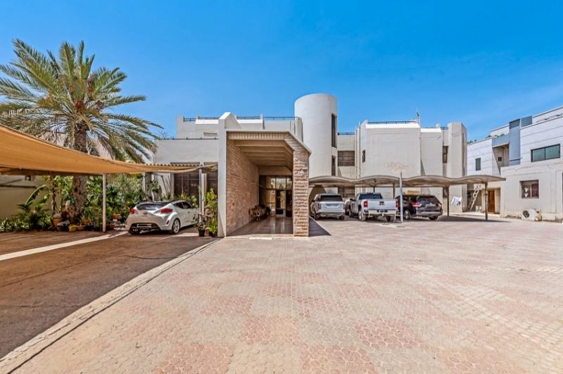 Jumeirah 1, Jumeirah