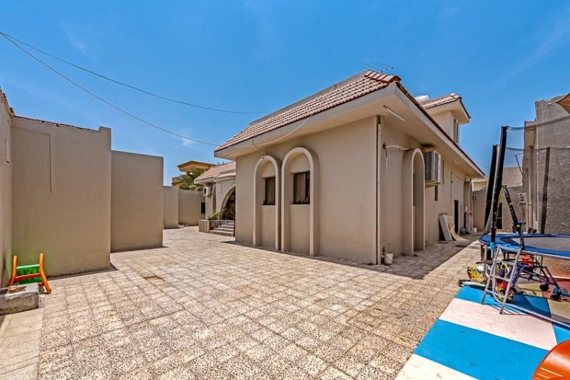 9 Bedroom Villa For Sale in  Jumeirah 3,  Jumeirah | 8