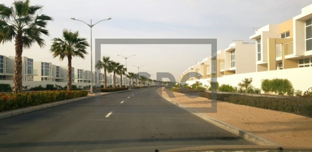 1,264 sq.ft. Retail in The Roots Akoya Oxygen, Akoya Oxygen for AED 126,400