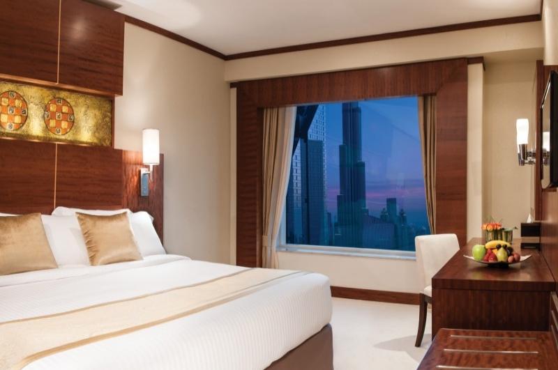 Carlton Downtown, Sheikh Zayed Road