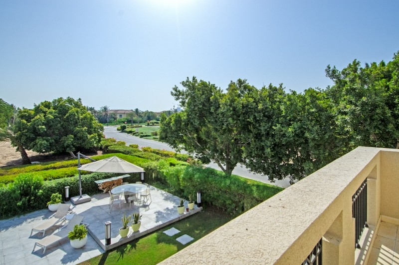 5 Bedroom Villa For Sale in  Entertainment Foyer,  Jumeirah Islands | 3