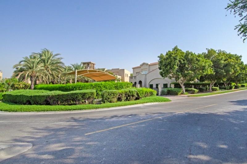 5 Bedroom Villa For Sale in  Entertainment Foyer,  Jumeirah Islands | 16