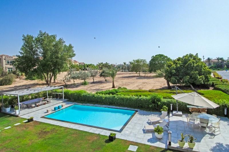 5 Bedroom Villa For Sale in  Entertainment Foyer,  Jumeirah Islands | 18
