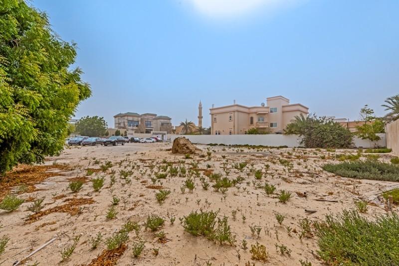 Studio Residential Plot For Sale in  Umm Al Sheif Villas,  Umm Suqeim   0
