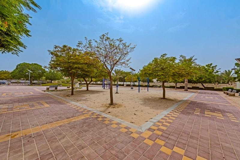 Studio Residential Plot For Sale in  Umm Al Sheif Villas,  Umm Suqeim   2