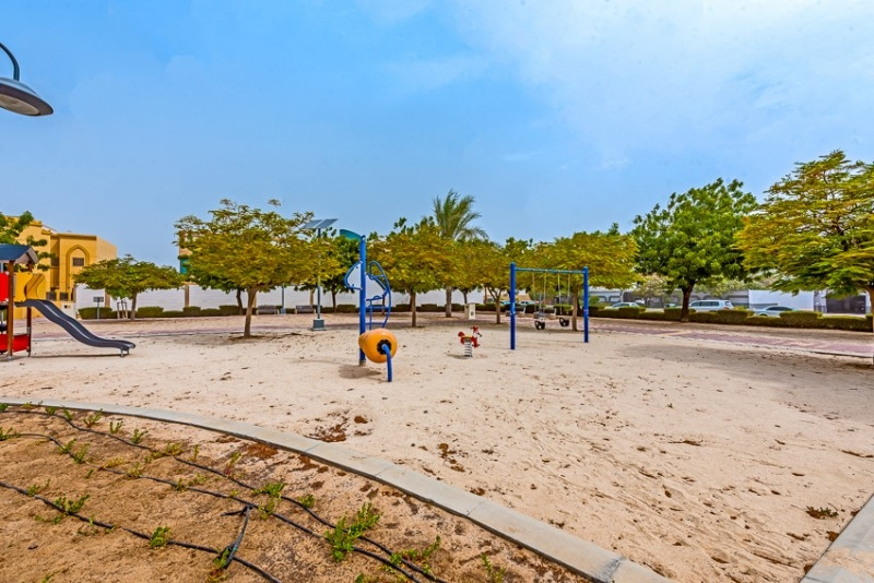 Studio Residential Plot For Sale in  Umm Al Sheif Villas,  Umm Suqeim   4