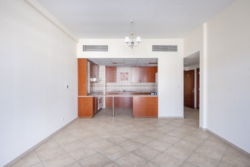 2 Bedroom Apartment For Sale in  Widcombe House 1,  Motor City | 7