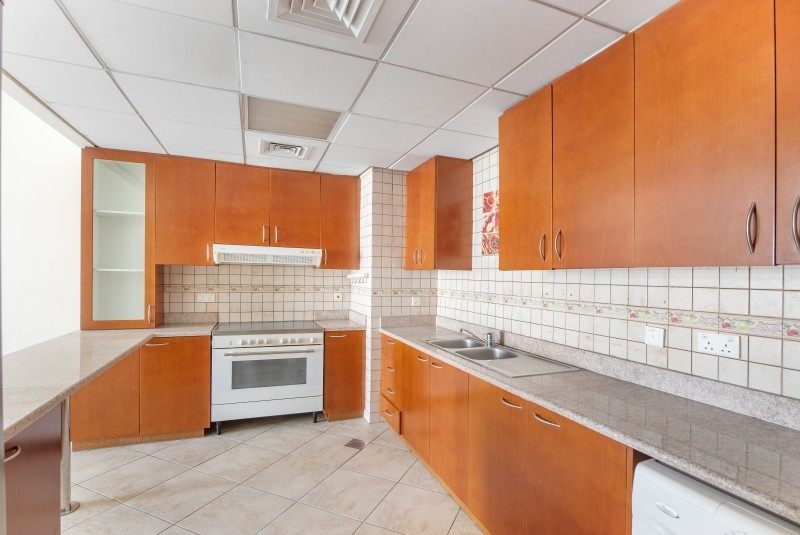 2 Bedroom Apartment For Sale in  Widcombe House 1,  Motor City | 8