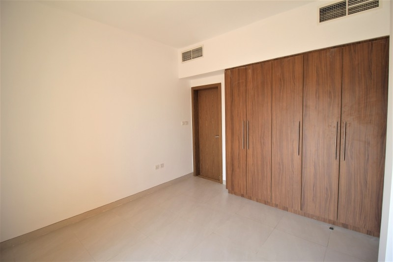 4 Bedroom Townhouse For Rent in  Lilac Park,  Jumeirah Village Circle | 9