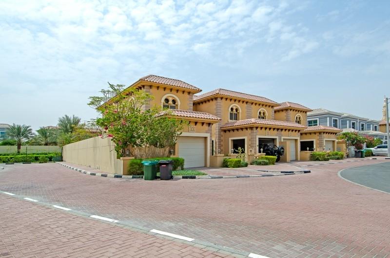 4 Bedroom Villa For Sale in  Andalusian Villa,  Falcon City of Wonders   15
