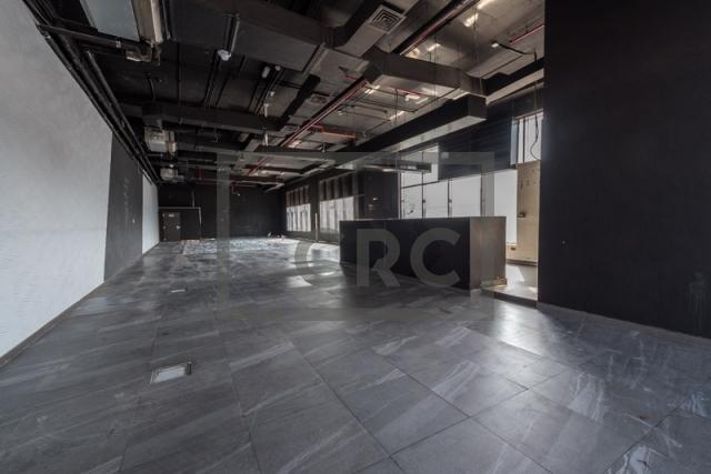 show room for rent in al garhoud, al nisf building   3