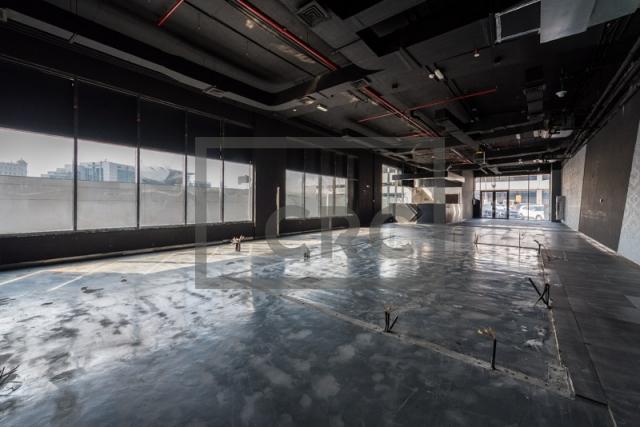 show room for rent in al garhoud, al nisf building   6