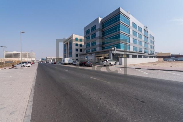 show room for rent in al garhoud, al nisf building   2