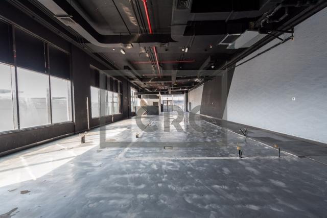 show room for rent in al garhoud, al nisf building   8