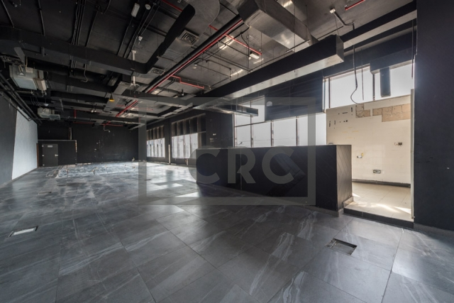 show room for rent in al garhoud, al nisf building   9