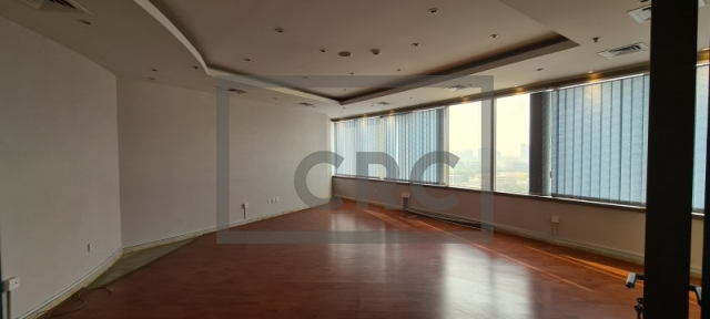 1,361 sq.ft. Office in Deira, Al Reem Tower for AED 88,465