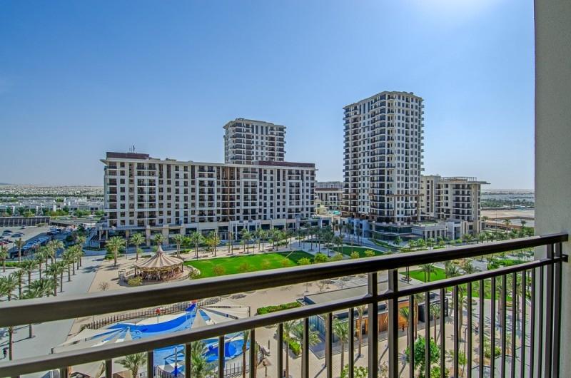 Rawda Apartments, Town Square