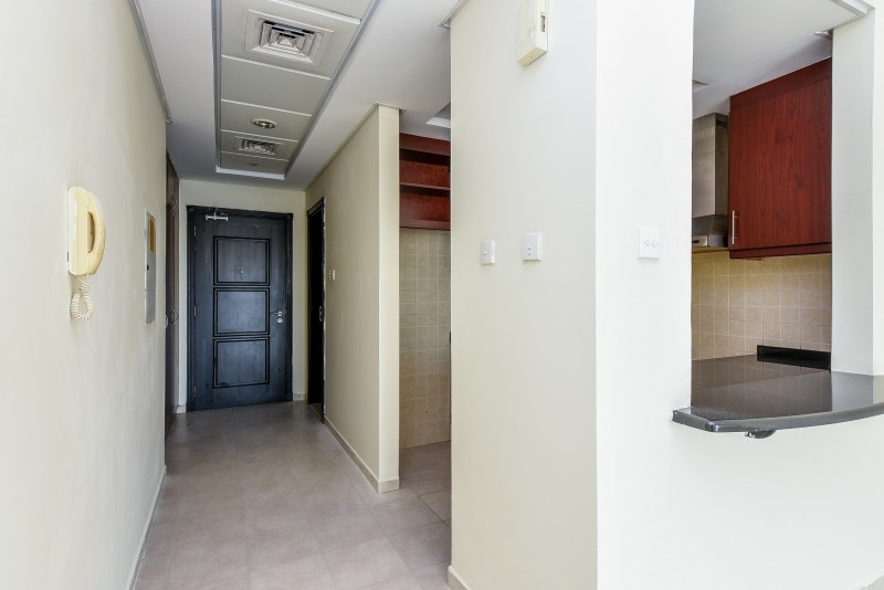 Studio Apartment For Sale in  Building 38 To Building 107,  Discovery Gardens   6