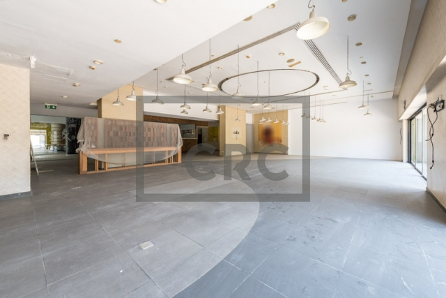 shops & retail spaces for rent in a tower