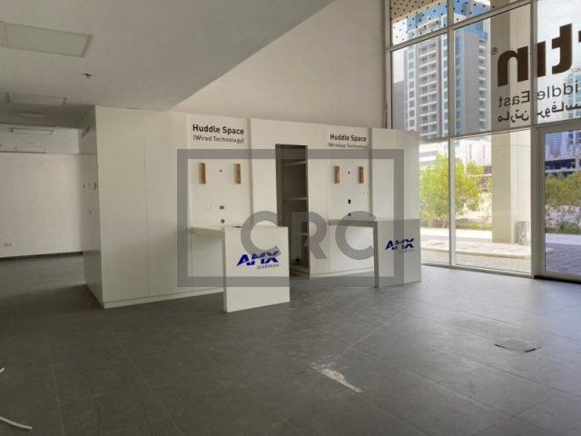 2,909 sq.ft. Retail in Business Bay, Capital Golden Tower for AED 349,080
