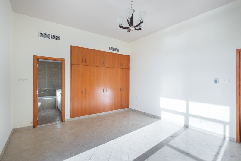 3 Bedroom Apartment For Sale in  Terraced Apartments,  Motor City   5