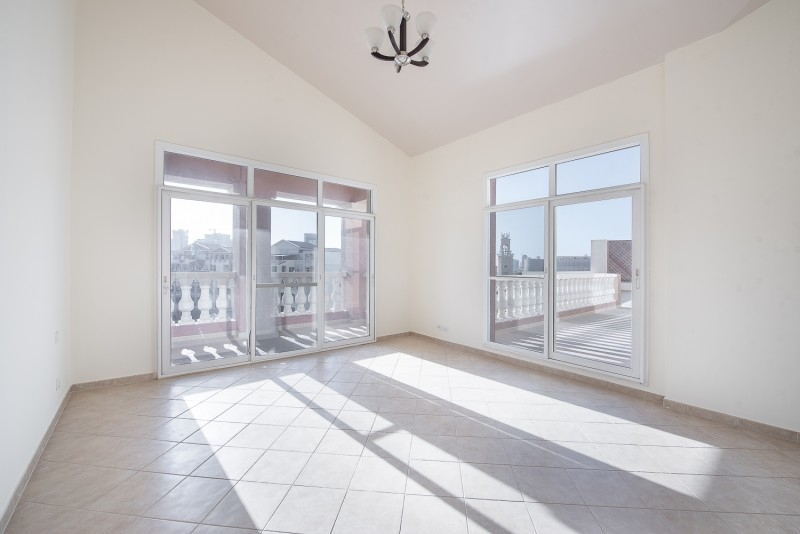 3 Bedroom Apartment For Sale in  Terraced Apartments,  Motor City   6