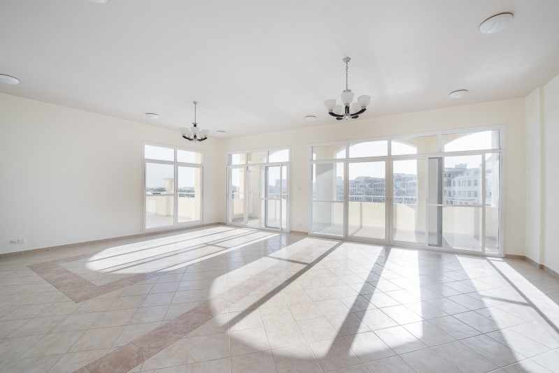 3 Bedroom Apartment For Sale in  Terraced Apartments,  Motor City   7