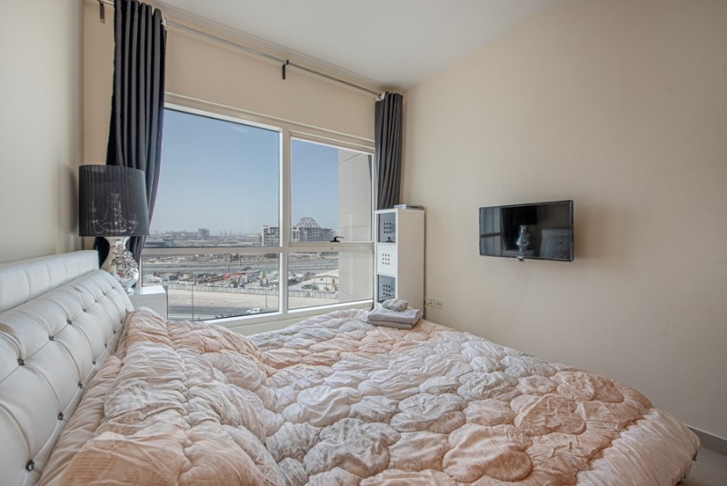 1 Bedroom Apartment For Sale in  Lakepoint,  Jumeirah Lake Towers   8