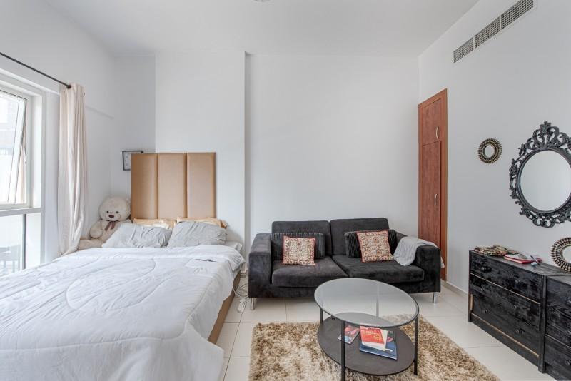Studio Apartment For Sale in  Cascades,  Dubai Marina | 5