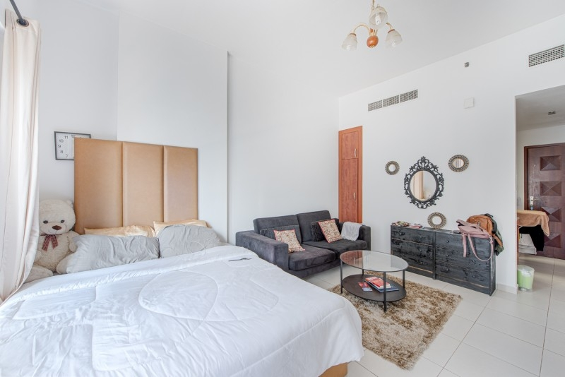 Studio Apartment For Sale in  Cascades,  Dubai Marina | 6