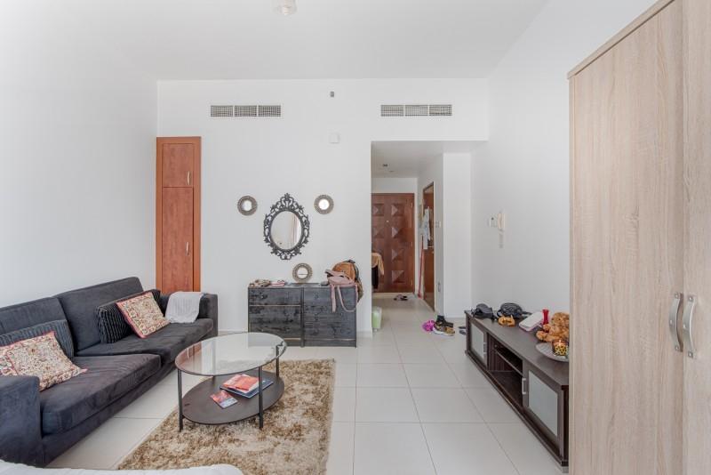 Studio Apartment For Sale in  Cascades,  Dubai Marina | 2