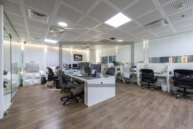 1,209 sq.ft. Office in Business Bay, Clover Bay Tower for AED 900,000