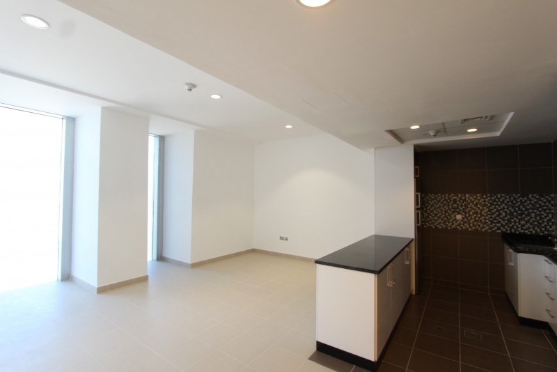 Studio Apartment For Sale in  Cayan Tower,  Dubai Marina | 3