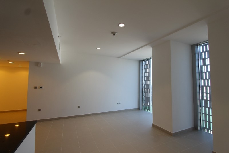 Studio Apartment For Sale in  Cayan Tower,  Dubai Marina | 9