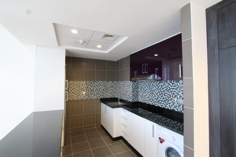 Studio Apartment For Sale in  Cayan Tower,  Dubai Marina | 5