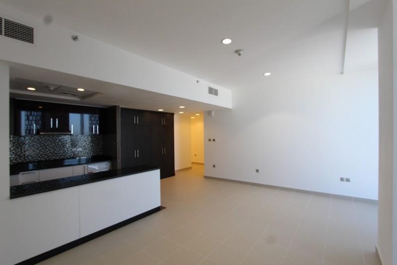Studio Apartment For Sale in  Cayan Tower,  Dubai Marina | 4