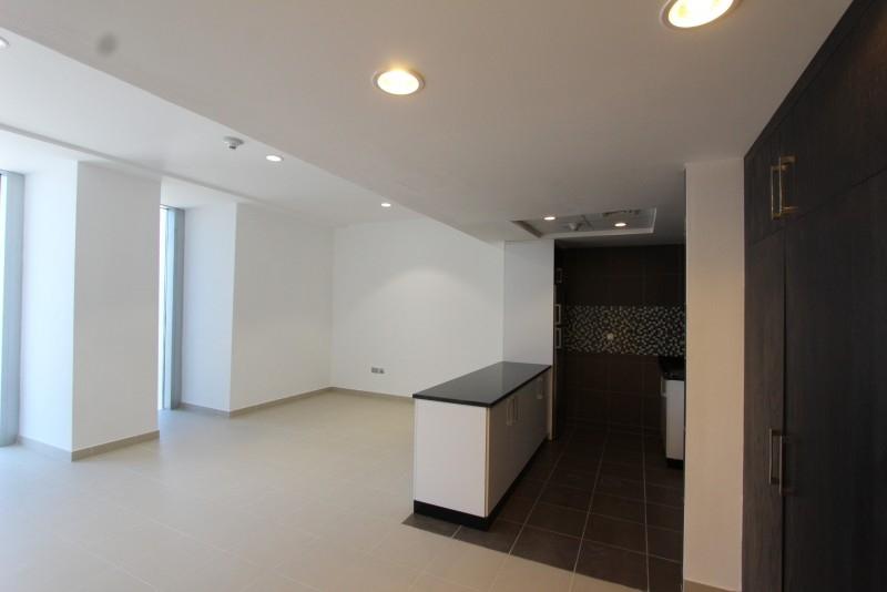 Studio Apartment For Sale in  Cayan Tower,  Dubai Marina | 2