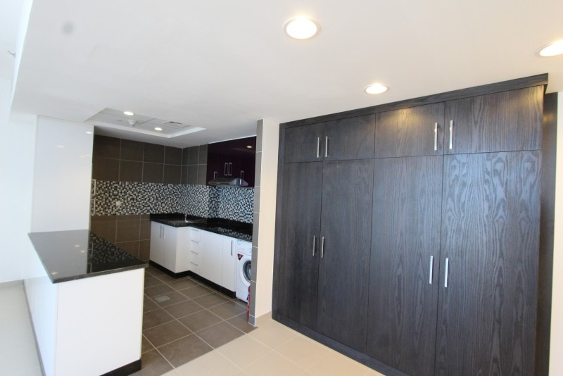 Studio Apartment For Sale in  Cayan Tower,  Dubai Marina | 17