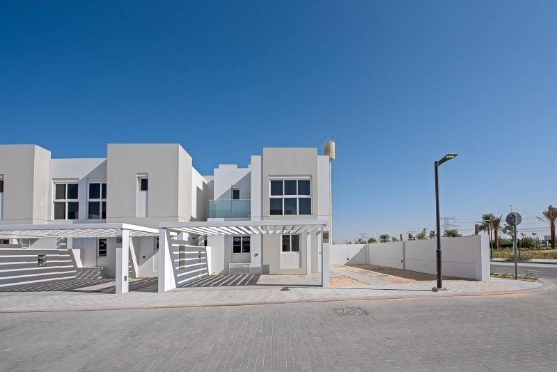 4 Bedroom Villa For Rent in  Arabella Townhouses 3,  Mudon   2